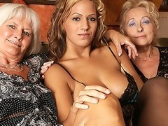 Hawt honey doing two older lesbos at one time