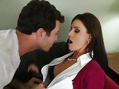 Babe India Summers cant resist her son's best friend